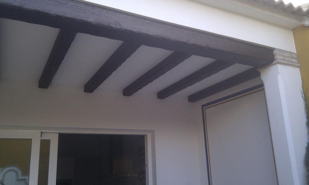 Vigas de hierro decorativas amazing metal palisade valla - Vigas decorativas de poliuretano ...